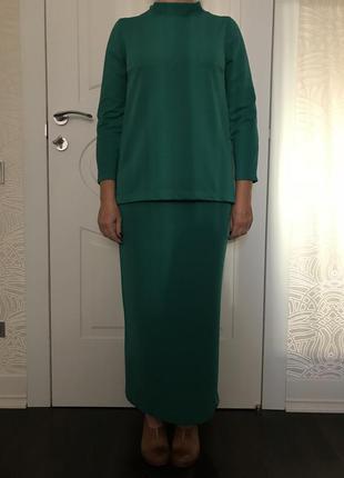 Костюм @don.bacon юбка и свитер зелёные