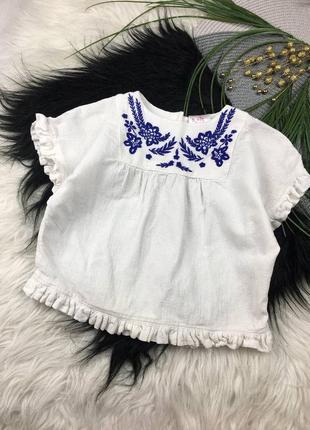 Белая футболочка с вышивкой на 2-3 годика