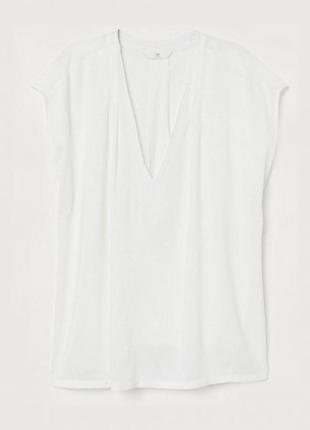 Блузка белая с треугольным вырезом h&m р. 38, 42