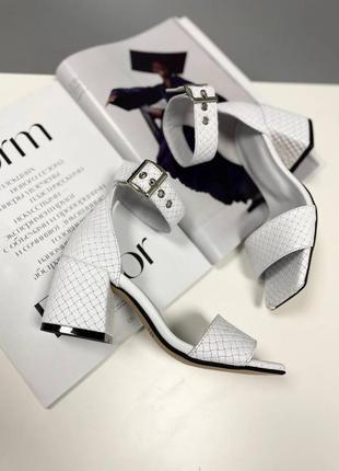 Босоножки шлепанцы натуральная кожа белые на низком каблуке туфли
