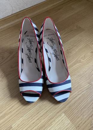 Туфли в морском стиле