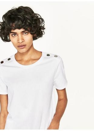 Хлопковая футболка с металлическими пуговицами на плечах 🔥zara🔥