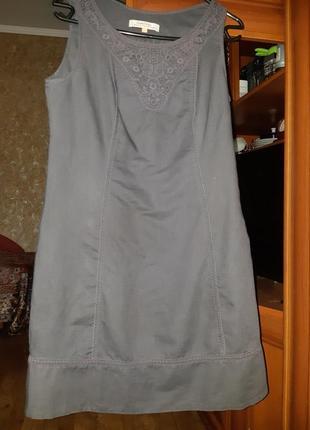 Платье из льна.