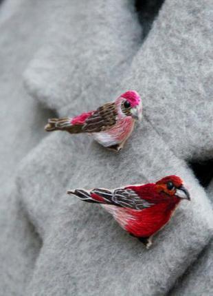 Комплект из двух брошей - птиц ручной работы / вышивка