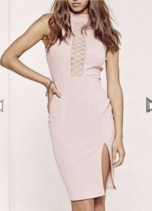 Очень красивое платье с с разрезом и открытой спиной,