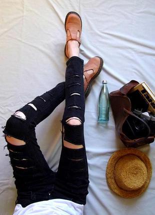 Скинни с прорезями (джинсы с дырками)