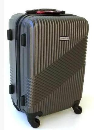 Маленький четырехколесный пластиковый чемодан davinci италия