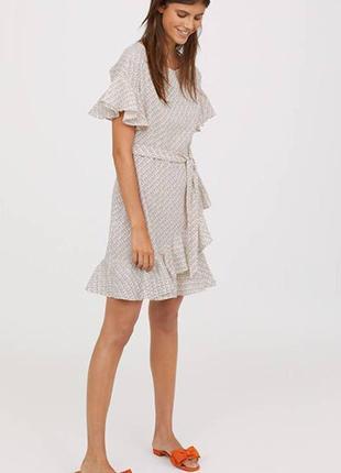 Хлопковое платье с воланами оборками поясом длины мини принт