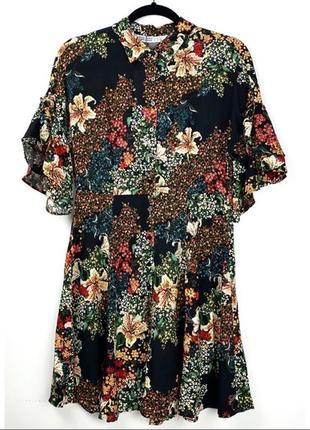 Штапельное платье на пуговицах рукав с оборками рюшами в цветочный принт