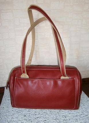 Красивая, повседневная сумка с длинными ручками. booi