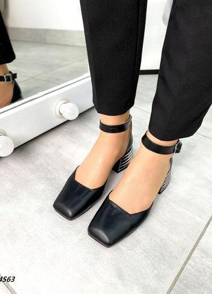Кожаные летние туфли на фигурном каблуке натуральная кожа