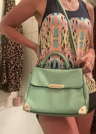 Красивая сумочка мятного цвета