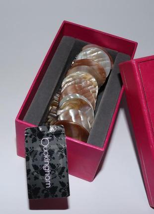 Новый массивный браслет натуральный перламутр на резинке buckingham вес 76,3 грамм винтаж