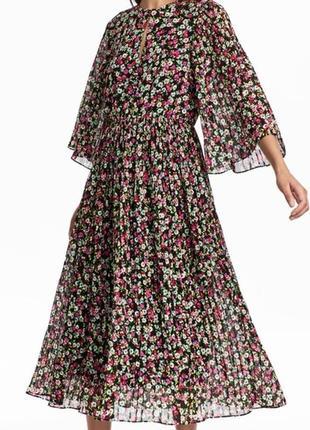 Летнее плиссированное шифоновое платье миди h&m в цветочный принт.