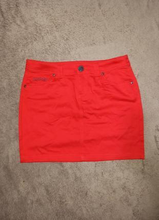Ярко красная стрейчевая мини юбка