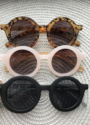 Солнцезащитные очки,сонцезахисні окуляри