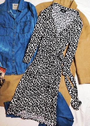 Wallis платье чёрное белое в принт миди с поясом на запах по фигуре карандаш футляр5 фото