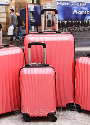 Ударостойкий !  чемодан из поликарбоната wings