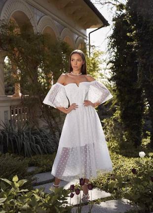 Платье в горох, пышное платье, платье с голыми плечаии, свадебное платье