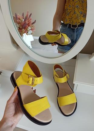 Босоножки женские, кожаные босоножки, жёлтые босоножки