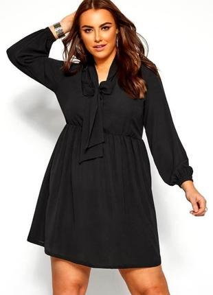 Легкое черное базовое платье с длинным рукавом