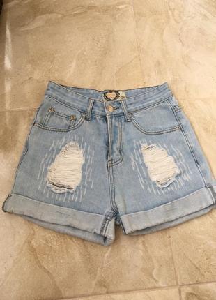 Крутые джинсовые шорты мом