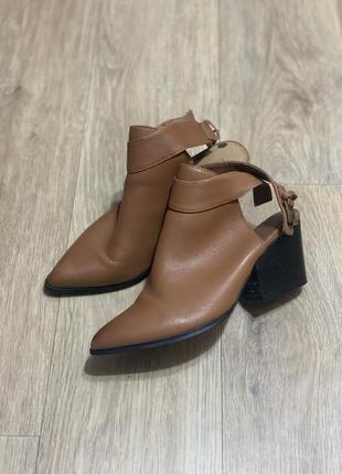 Стильные туфли кожа открытая пятка