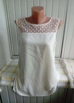Вискозная блуза с кружевом