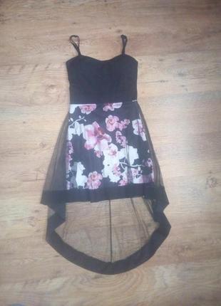 Шикарное платье в цветочный принт со шлейфом сетка