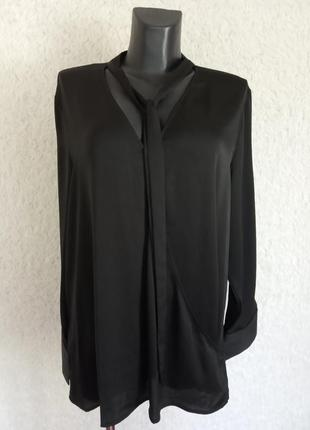 Чёрная лаконичная блуза 18р