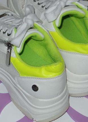 Фирменные кросовки на большой подошве xti р 32-33 идеальное сост5 фото