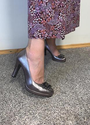 Идеальные кожаные туфли tamaris  с камнями ❤️