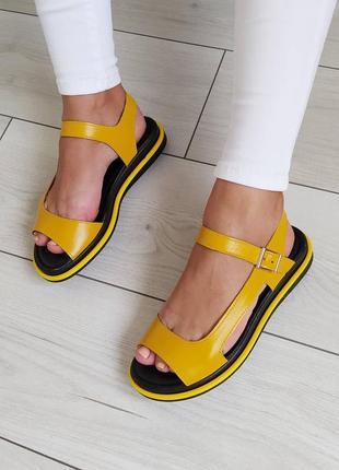 Жовті шкіряні босоніжки