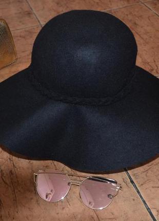 Широкополая фетровая шляпа. черная.