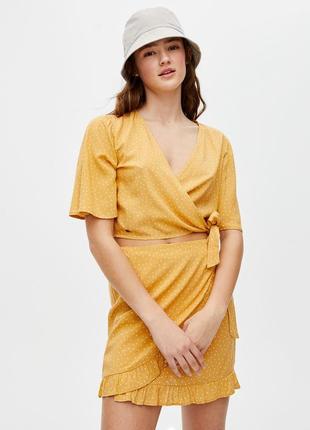 Блуза топ желтая в горох на запах pull & bear