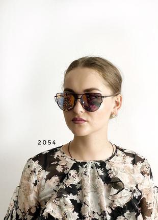 Сонцезахисні окуляри, колір лінз рожевий к. 2054