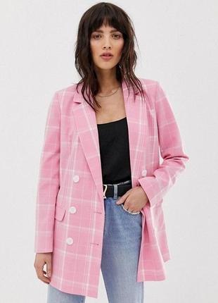 Розовый пиджак в клетку