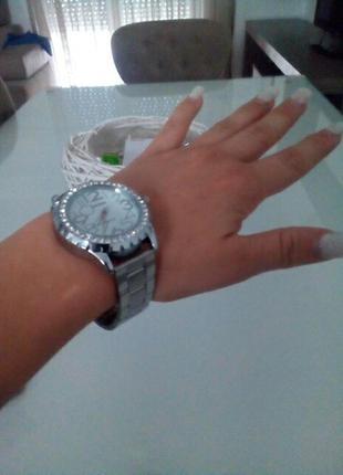 Женские кварцевые часы / годинник/ новые часы