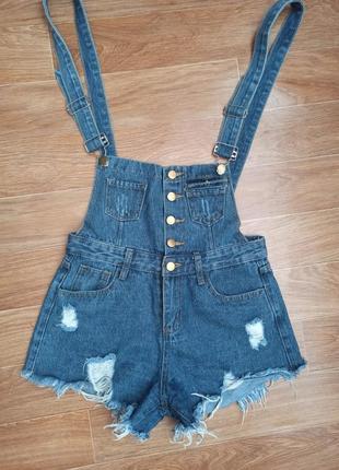 Джинсовый комбенизон, джинсовые шорты