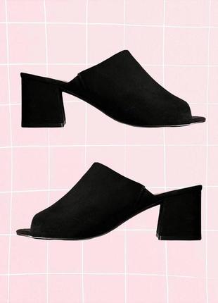 Черные замшевые мюлли (туфли, босоножки) на широком устойчивом каблуке и открытой пяткой