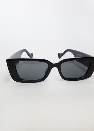 Солнцезащитные очки квадратной формы, черные