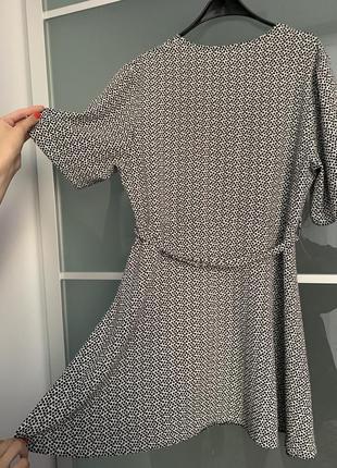 Легкое летнее платье с поясом new look5 фото
