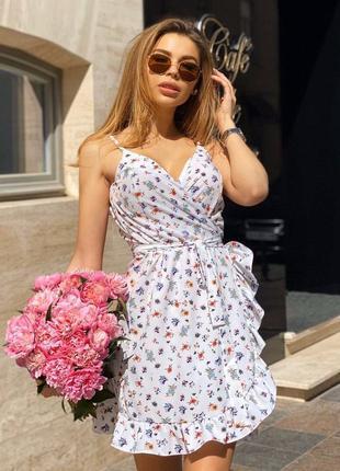 Летнее лёгкое платье на запах в цветочный принт 🌸