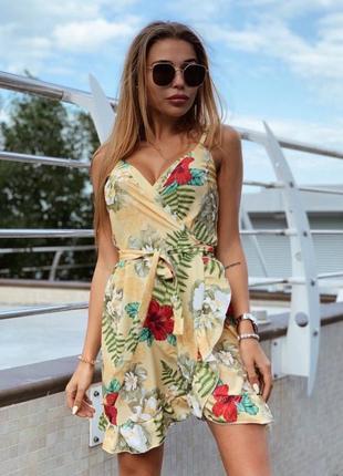 Летнее лёгкое платье на запах с цветочным принтом 🌸