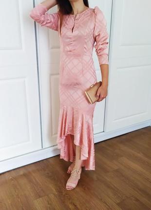 Плаття з шлейфом м ♥️♥️♥️