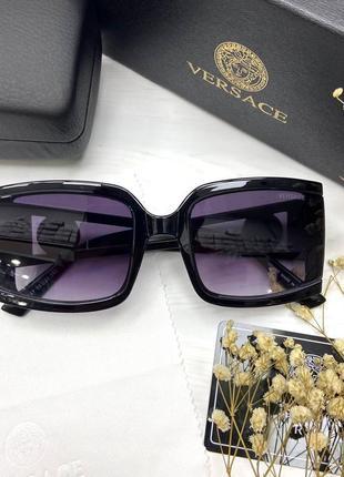 Женские солнцезащитные очки в стиле versace
