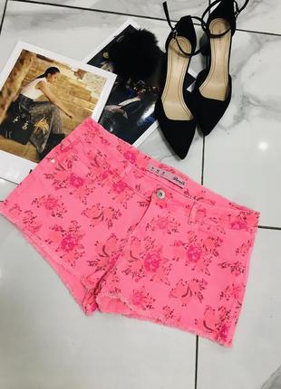 Розовые джинсовые шорты с цветочным принтом из денима denim co