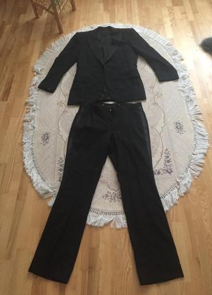 Брючный костюм valentino