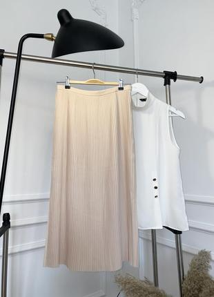 Плиссированная юбка миди с разрезами
