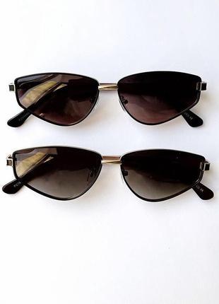 Стильные очки с коричневым стеклом